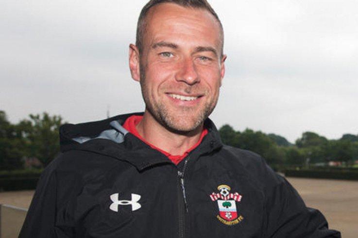 Warm-ups Andy-Gray Southampton-FC
