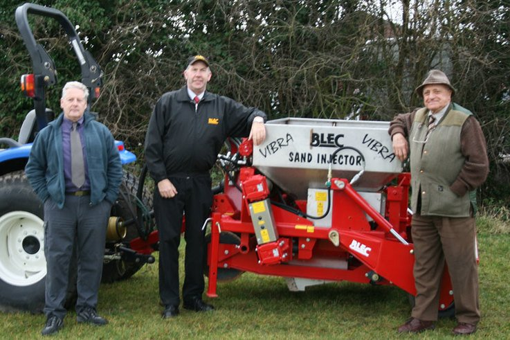 Sand drainage experts team up at Blec