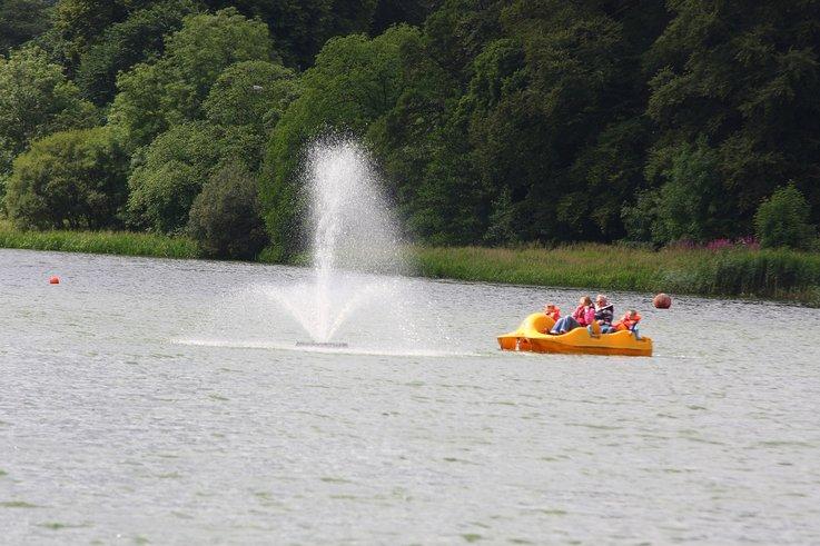 Carlingwark Loch.JPG