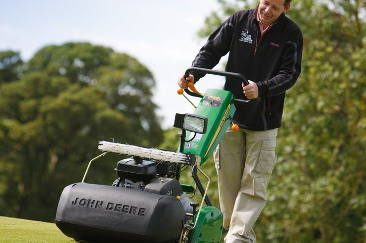 220SL greens mower C