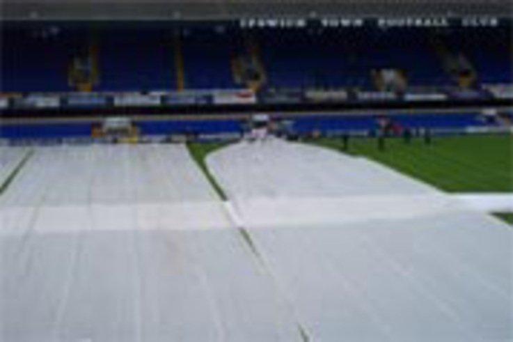 Easier management of rain covers
