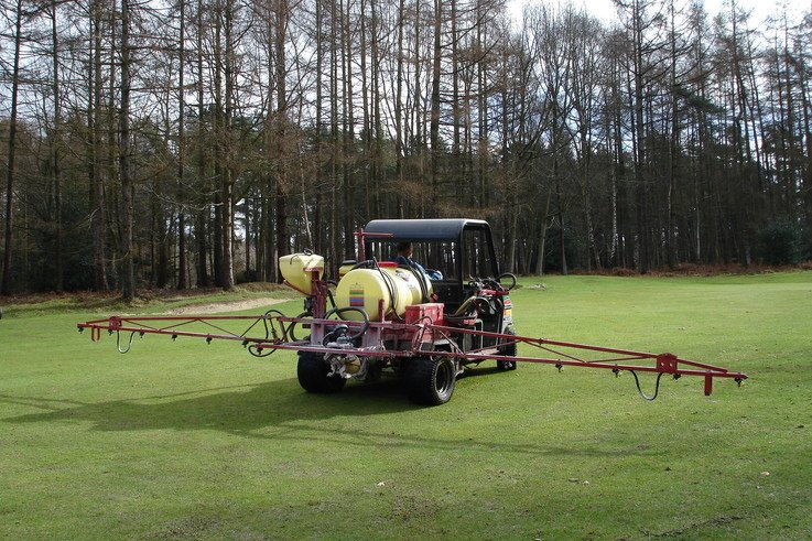 New turf fungicide dedicated to speed and endurance