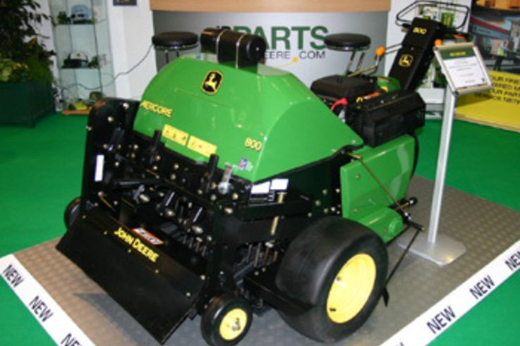 New Aercore 800 aerates and verticuts in one pass