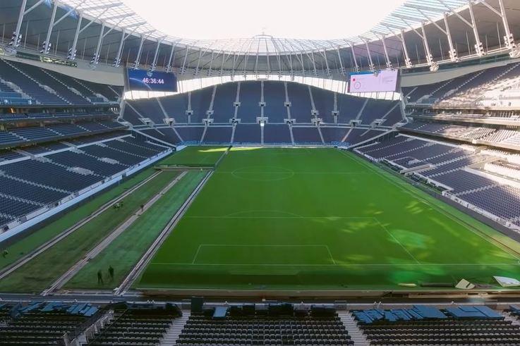 Tottenham-pitch.JPG