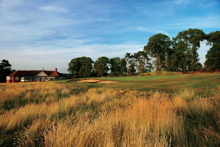 Luffenham Heath 18th green.jpg