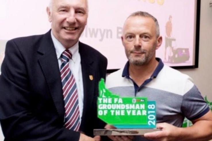 Elfyn Jones Colwyn Bay FC Award (1)