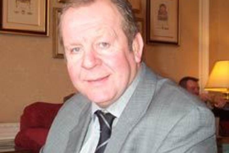 Bill Beaumont praises natural grass