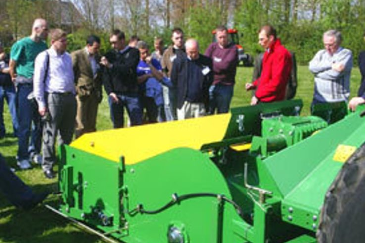 Visitors to Holland see Koro's class