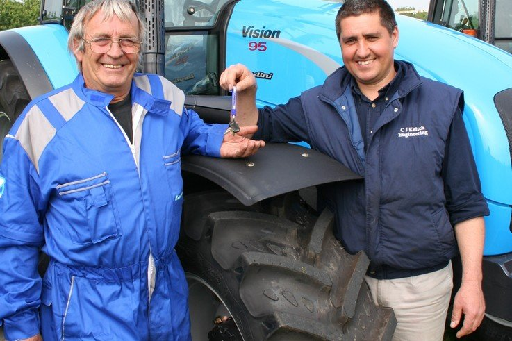 Groundscare Contractor has the 'Vision' to go with Landini for hard-working tractor fleet