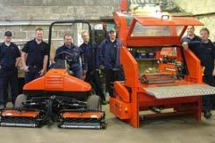 New mowers and grinders for Lees Hall Golf Club