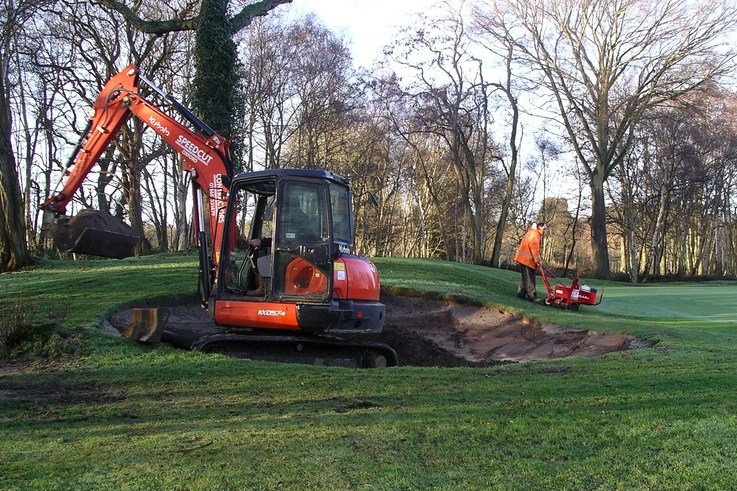 Speedcut at work on Silvermere Golf Club\'s second green bunker in Surrey