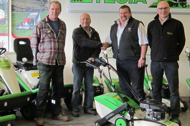 Saltex heart winner presented with Etesia pedestrian mower