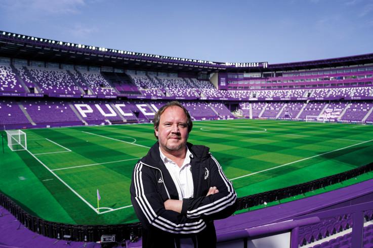 Antonio Grounds manager 1.jpg