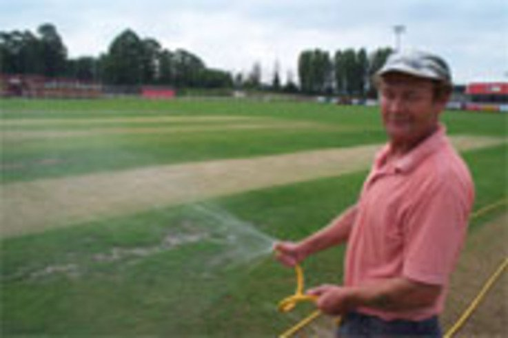 Life for a contract Groundsman