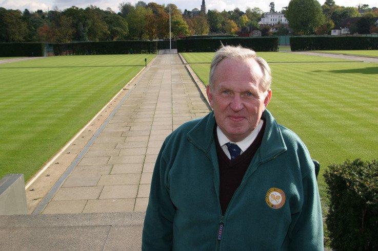 Eddie Seaward, front courts