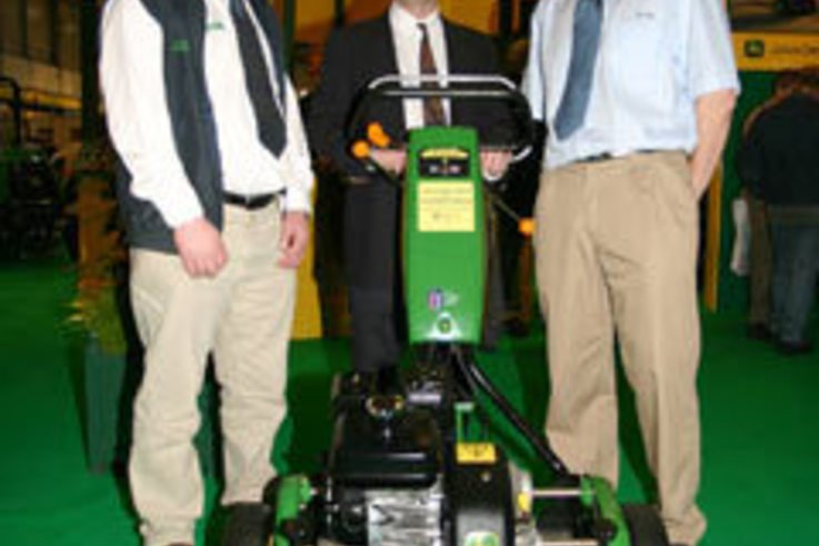 Royal Birkdale chooses John Deere walk-behinds