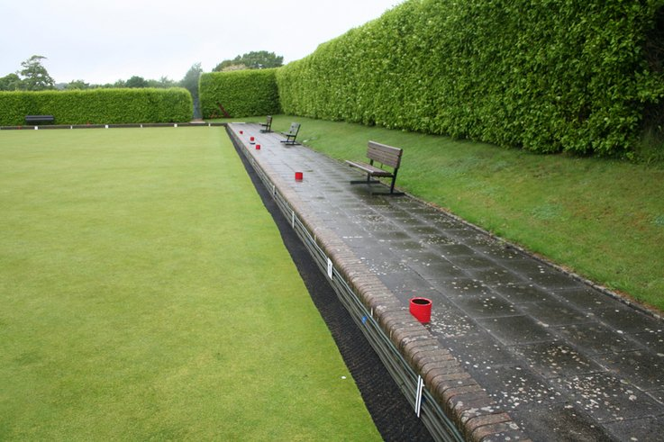 Maintenance of bowling green edges