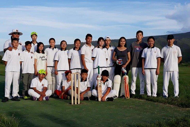 Mongolian-kids-cricket-team-original