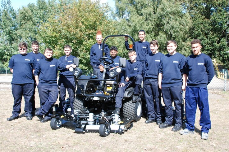 Ransomes Apprentices - 1.JPG