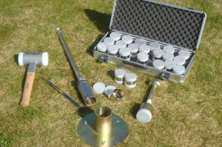 Soil structure sampling equipment