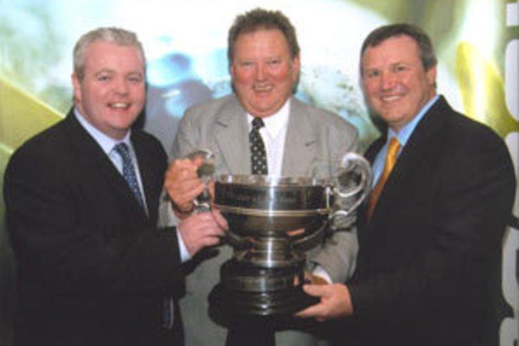 2004 Dealer of the year awards