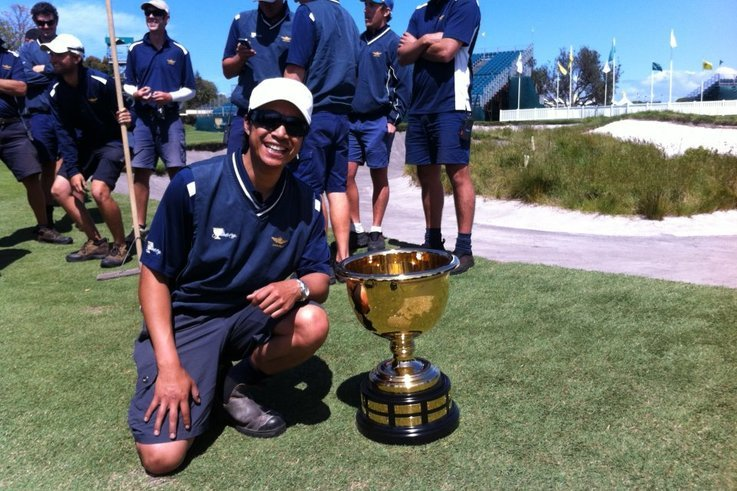 Joe Johnson with the Presidents Cup