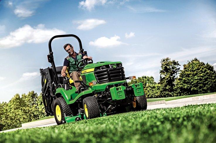 John Deere X950R lawn tractor 2016