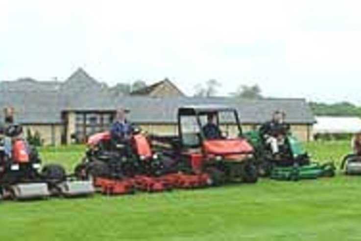 Marquis of Lansdowne selects Ransomes Jacobsen
