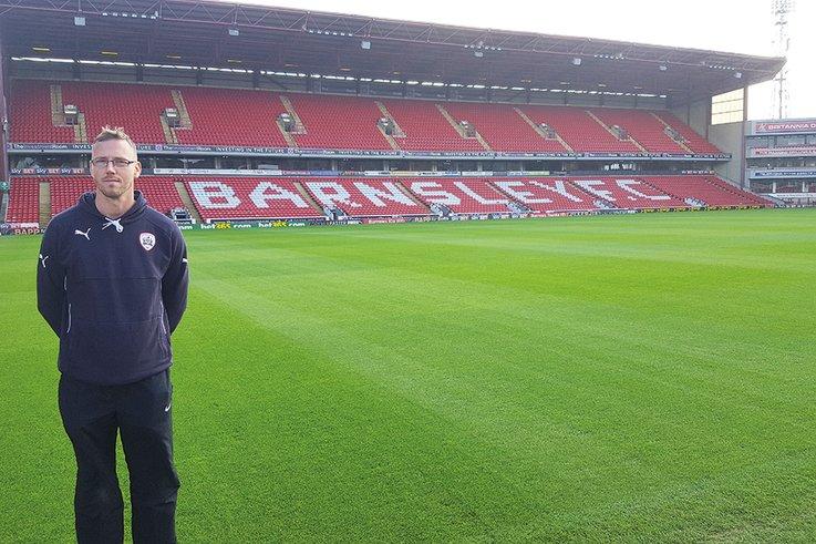 BarnsleyFC DavidAnderson&Pitch