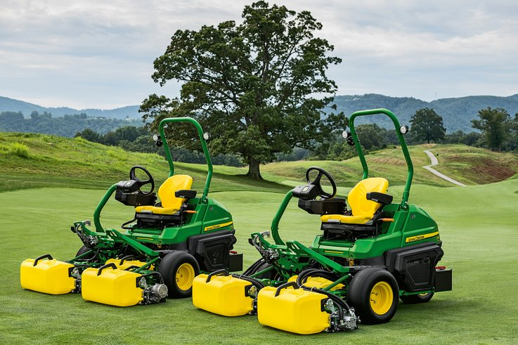 New John Deere greens mowers win AE50 Award.jpg