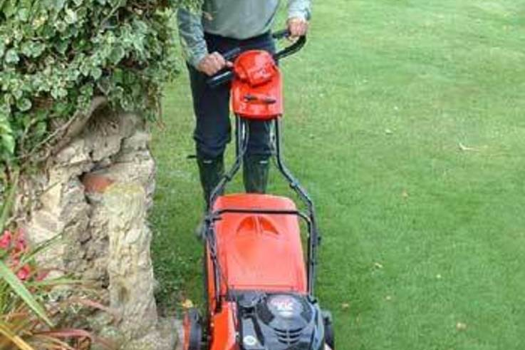 The new Vario Mower from Al-Ko, great at any angle.