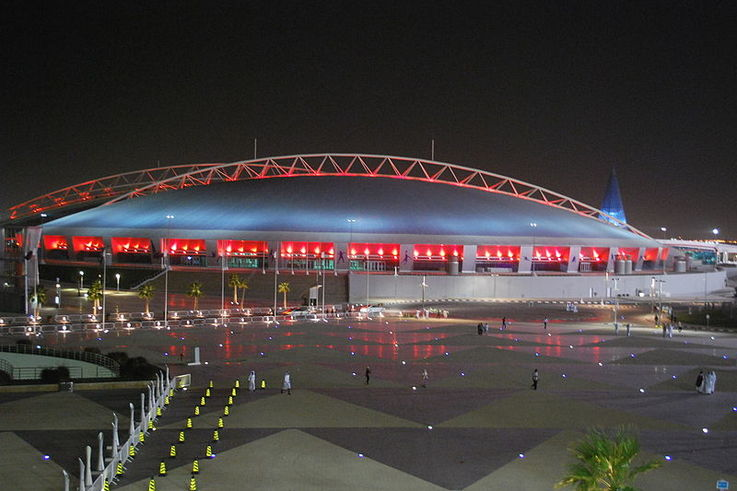 800px Khalifa Stadium at night