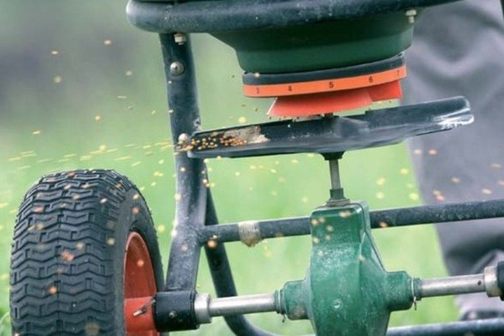 Sprayer.jpg [cropped]