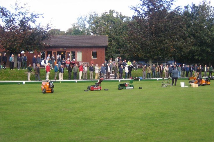Autumn Maintenance on the Bowling Green