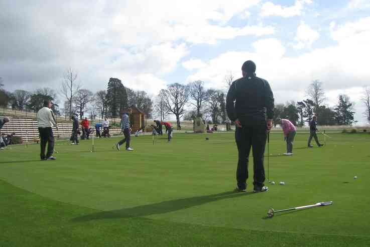 Everris Golf Day, on the practice green low res