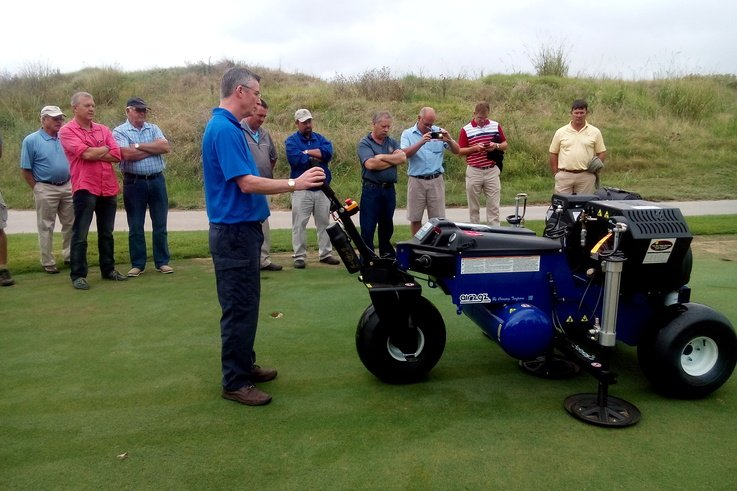 Dave Harrison demonstrates the Air2G2