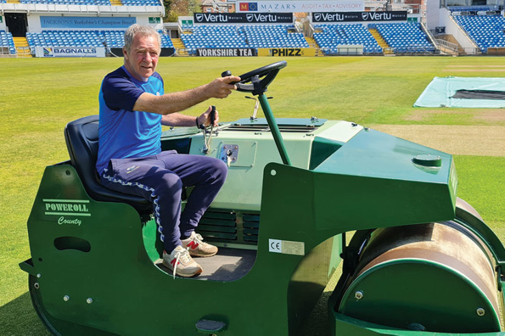 Yorkshire-County-Cricket-Club_Andy_poweroll2.jpg