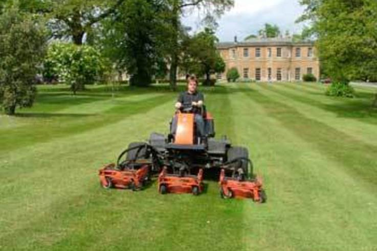 Versatile Jacobsen rotary mower at Rudding Park Hotel and Golf