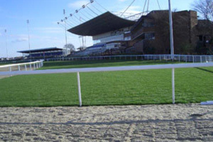 Kestrel help Kempton Park Racecourse unveil new All-Weather Track