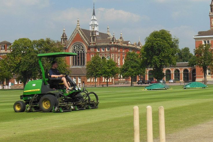 Dulwich College 7700 mower A