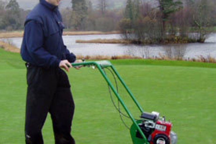 More Turf Professionals choose Dennis