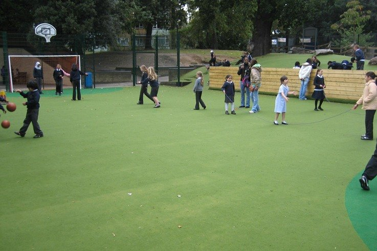 School pupils enjoy a Notts Sport ChildsPlay Active installation   2