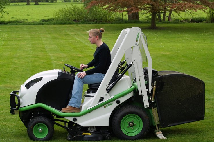 New attachments for Etesia's H100 Diesel ride-on Tractor