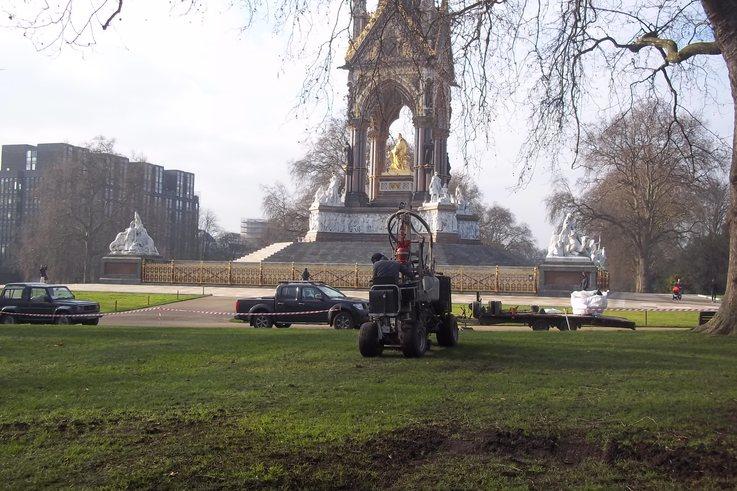 Terrain Aeration Albert Memorial 100 0840