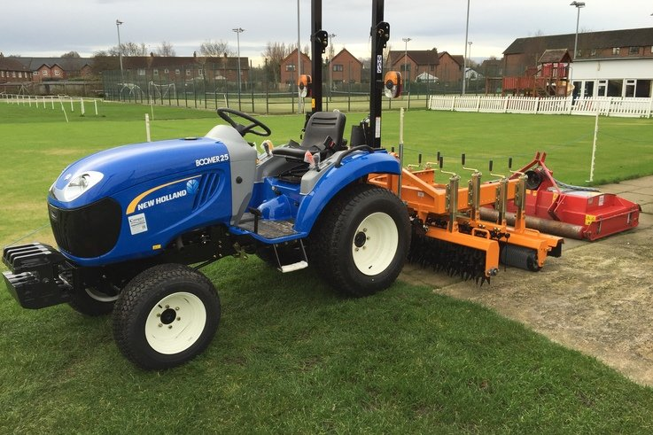 New Holland tractor supplied by Campey Turf Care Systems (002)