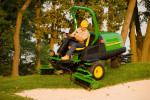 The John Deere 7200 PrecisionCut Trim