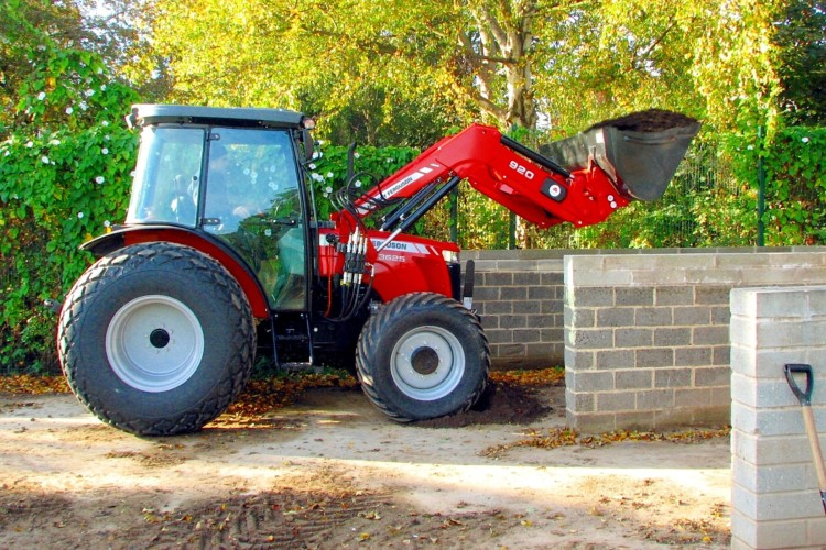 Schools' new MF 3625 tractor is | Pitchcare Articles