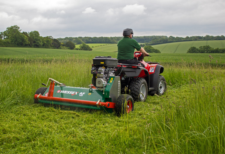 Wessex hails the flail   Pitchcare Articles