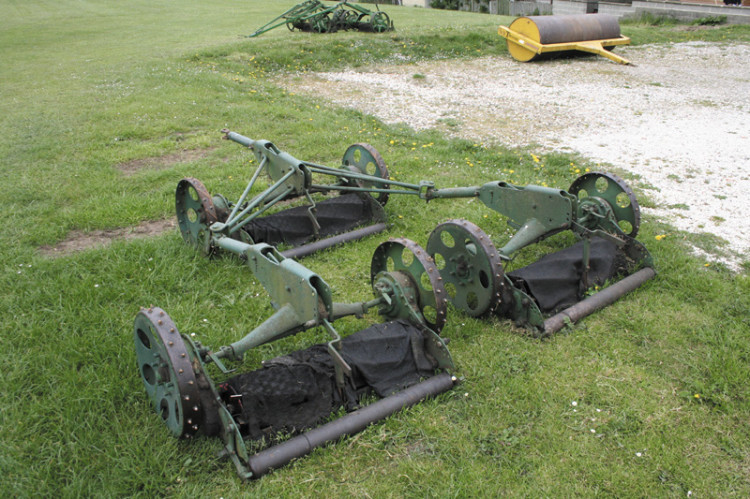 towed gang mowers pitchcare rh pitchcare com ransomes gang mower spare parts Ransome Mower Blade 2