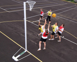 freestandding netball posts